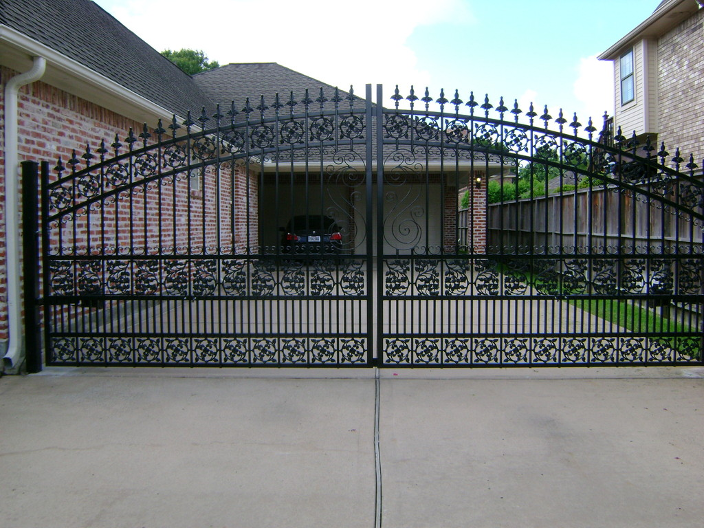 Quality Ornamental Iron In Pasadena Texas Driveway